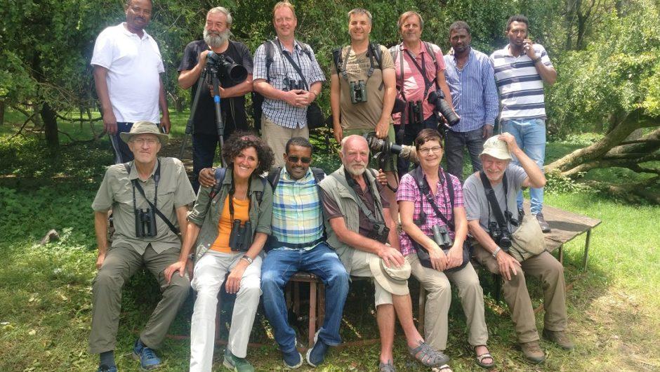 Mit vielen Grüßen in die Heimat meldet sich unsere Äthiopien-Gruppe – seltenste Vogelarten wurden gesehen